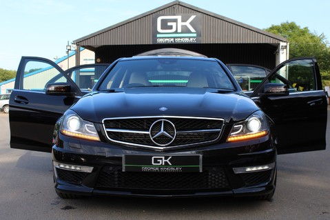Mercedes-Benz C Class C63 AMG - 2 TONE LEATHER/LANE+BLIND SPOT ASSIST/DAB RADIO/FULL MERC S/HIST/ 26
