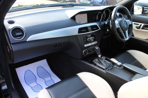 Mercedes-Benz C Class C63 AMG - 2 TONE LEATHER/LANE+BLIND SPOT ASSIST/DAB RADIO/FULL MERC S/HIST/ 32
