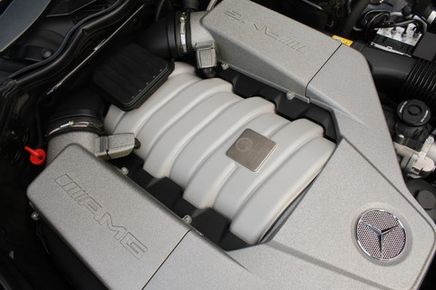 Mercedes-Benz C Class C63 AMG - 2 TONE LEATHER/LANE+BLIND SPOT ASSIST/DAB RADIO/FULL MERC S/HIST/ 76