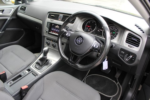Volkswagen Golf MATCH TDI B/MOTION TECH DSG - £20 TAX - ADAPTIVE CRUISE - PARK PILOT - DAB 9