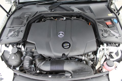 Mercedes-Benz C Class C250 D SPORT PREMIUM PLUS - PAN ROOF - COMAND - BURMESTER SOUND 64