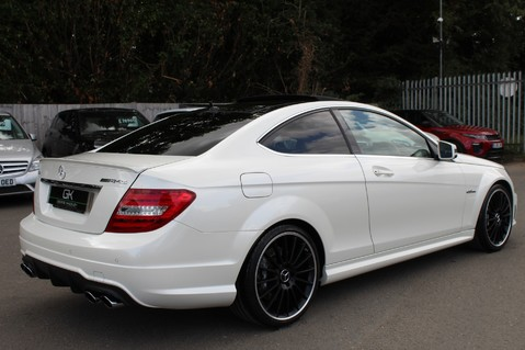 Mercedes-Benz C Class C63 AMG - 510 BHP - DIAMOND WHITE/HARMAN KARDON/PAN ROOF/DAB/COMAND -FMBSH 5