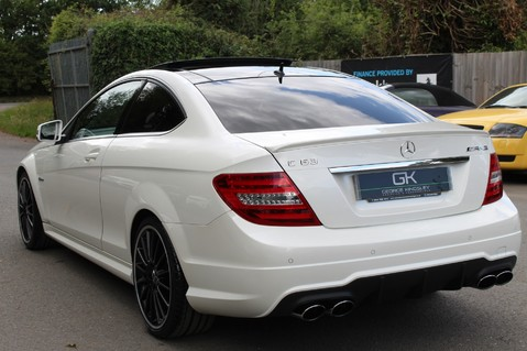 Mercedes-Benz C Class C63 AMG - 510 BHP - DIAMOND WHITE/HARMAN KARDON/PAN ROOF/DAB/COMAND -FMBSH 2