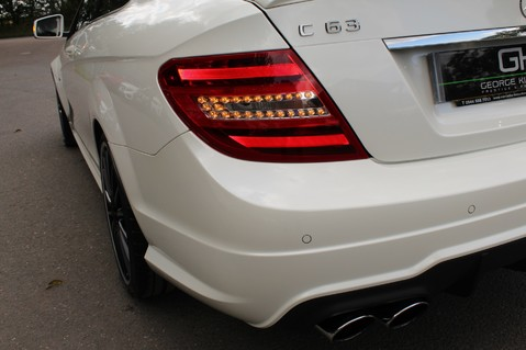 Mercedes-Benz C Class C63 AMG - 510 BHP - DIAMOND WHITE/HARMAN KARDON/PAN ROOF/DAB/COMAND -FMBSH 18