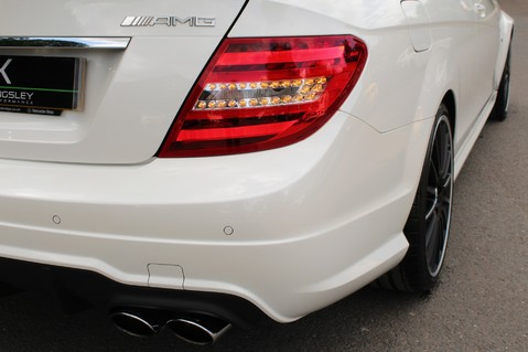 Mercedes-Benz C Class C63 AMG - 510 BHP - DIAMOND WHITE/HARMAN KARDON/PAN ROOF/DAB/COMAND -FMBSH 19