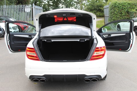 Mercedes-Benz C Class C63 AMG - 510 BHP - DIAMOND WHITE/HARMAN KARDON/PAN ROOF/DAB/COMAND -FMBSH 28