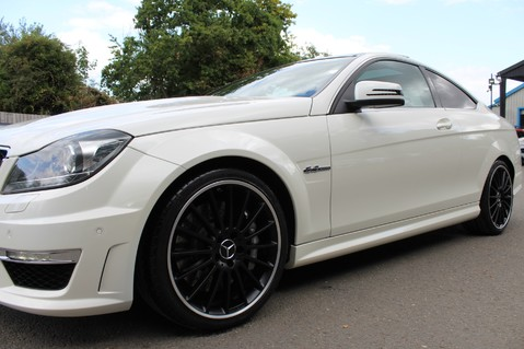 Mercedes-Benz C Class C63 AMG - 510 BHP - DIAMOND WHITE/HARMAN KARDON/PAN ROOF/DAB/COMAND -FMBSH 30