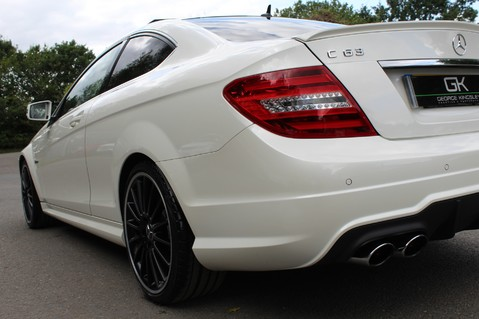 Mercedes-Benz C Class C63 AMG - 510 BHP - DIAMOND WHITE/HARMAN KARDON/PAN ROOF/DAB/COMAND -FMBSH 31