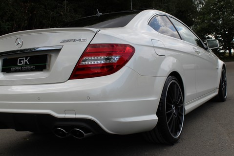 Mercedes-Benz C Class C63 AMG - 510 BHP - DIAMOND WHITE/HARMAN KARDON/PAN ROOF/DAB/COMAND -FMBSH 32