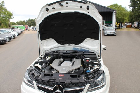 Mercedes-Benz C Class C63 AMG - 510 BHP - DIAMOND WHITE/HARMAN KARDON/PAN ROOF/DAB/COMAND -FMBSH 75