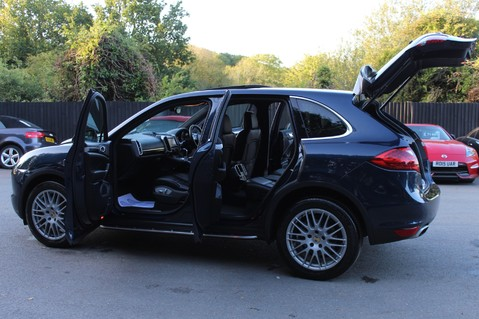 Porsche Cayenne D V6 TIPTRONIC S - PAN ROOF/PCM/ELECTRIC TOWBAR/POWER BOOT/11K EXTRAS 18