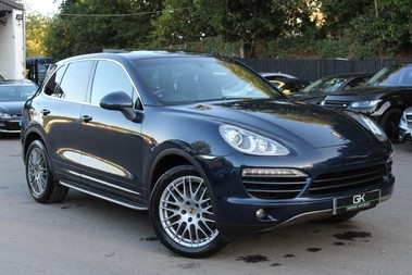 Porsche Cayenne D V6 TIPTRONIC S - PAN ROOF/PCM/ELECTRIC TOWBAR/POWER BOOT/11K EXTRAS