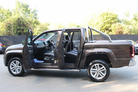 Volkswagen Amarok DC V6 TDI HIGHLINE 4MOTION - CHROME BARS - TWO TONE LEATHER - ONE OWNER 19