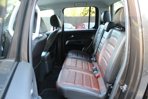 Volkswagen Amarok DC V6 TDI HIGHLINE 4MOTION - CHROME BARS - TWO TONE LEATHER - ONE OWNER 10