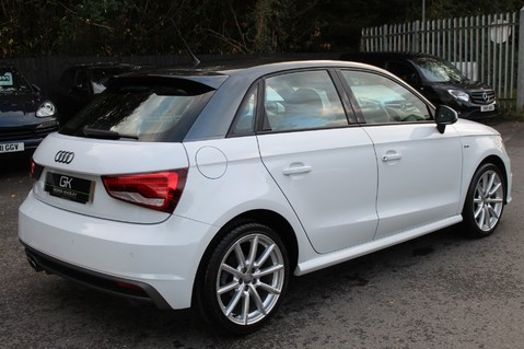 Audi A1 SPORTBACK TFSI S LINE -SAT NAV/CRUISE/PARKING SENSORS/HIGHBEAM ASSIST/2TONE 5