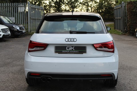 Audi A1 SPORTBACK TFSI S LINE -SAT NAV/CRUISE/PARKING SENSORS/HIGHBEAM ASSIST/2TONE 6