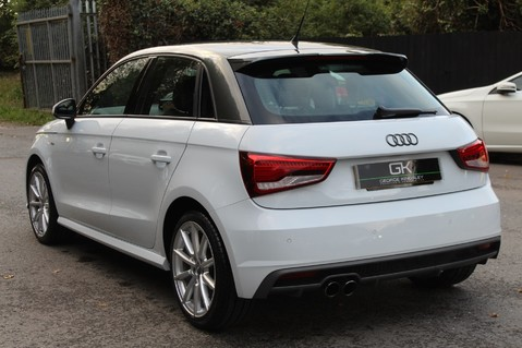 Audi A1 SPORTBACK TFSI S LINE -SAT NAV/CRUISE/PARKING SENSORS/HIGHBEAM ASSIST/2TONE 2