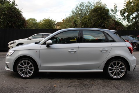 Audi A1 SPORTBACK TFSI S LINE -SAT NAV/CRUISE/PARKING SENSORS/HIGHBEAM ASSIST/2TONE 7