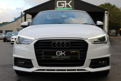 Audi A1 SPORTBACK TFSI S LINE -SAT NAV/CRUISE/PARKING SENSORS/HIGHBEAM ASSIST/2TONE 9