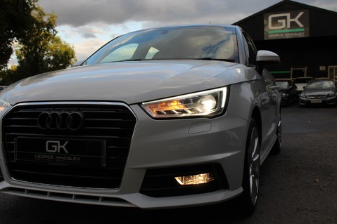 Audi A1 SPORTBACK TFSI S LINE -SAT NAV/CRUISE/PARKING SENSORS/HIGHBEAM ASSIST/2TONE 22
