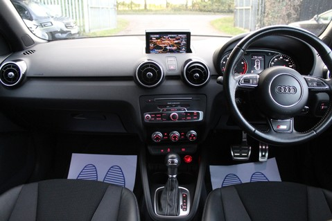 Audi A1 SPORTBACK TFSI S LINE -SAT NAV/CRUISE/PARKING SENSORS/HIGHBEAM ASSIST/2TONE 3