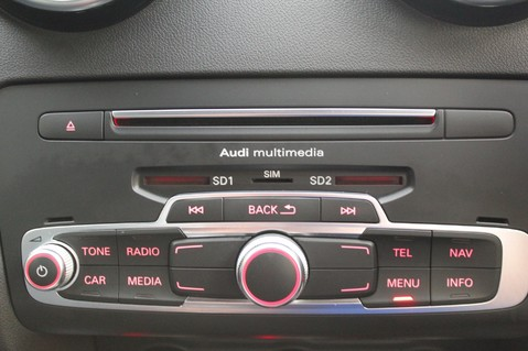 Audi A1 SPORTBACK TFSI S LINE -SAT NAV/CRUISE/PARKING SENSORS/HIGHBEAM ASSIST/2TONE 51