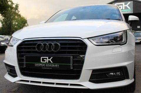 Audi A1 SPORTBACK TFSI S LINE -SAT NAV/CRUISE/PARKING SENSORS/HIGHBEAM ASSIST/2TONE 66