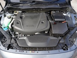 Volvo V40 D3 R-DESIGN NAV PLUS 7