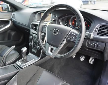Volvo V40 D3 R-DESIGN NAV PLUS 17