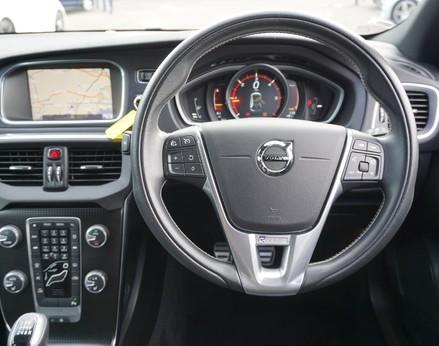 Volvo V40 D3 R-DESIGN NAV PLUS 18
