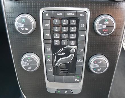 Volvo V40 D3 R-DESIGN NAV PLUS 27