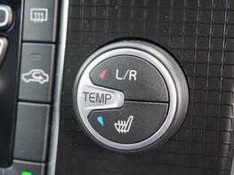 Volvo V40 D3 R-DESIGN NAV PLUS 28