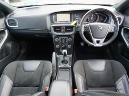 Volvo V40 D3 R-DESIGN NAV PLUS 2