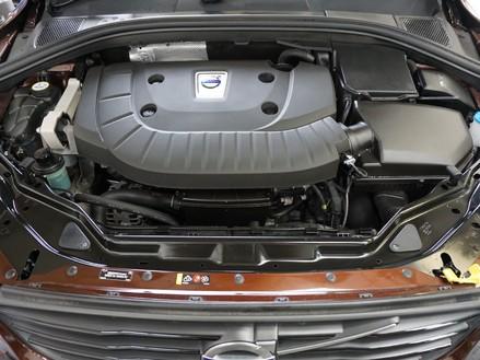 Volvo XC60 D5 R-DESIGN LUX NAV AWD