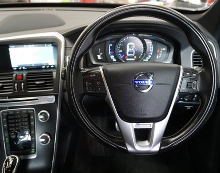 Volvo XC60 D5 R-DESIGN LUX NAV AWD 18