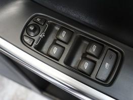 Volvo XC60 D5 R-DESIGN LUX NAV AWD 35