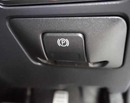 Volvo XC60 D5 R-DESIGN LUX NAV AWD 36