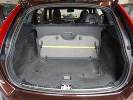 Volvo XC60 D5 R-DESIGN LUX NAV AWD 43