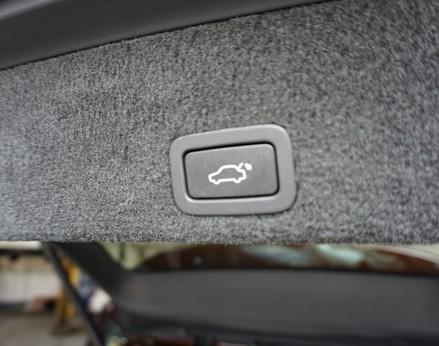 Volvo XC60 D5 R-DESIGN LUX NAV AWD 46
