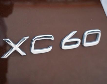 Volvo XC60 D5 R-DESIGN LUX NAV AWD 53