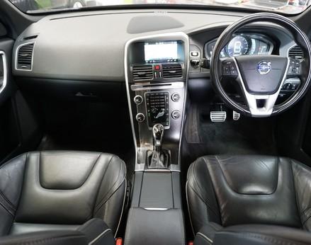 Volvo XC60 D5 R-DESIGN LUX NAV AWD 2