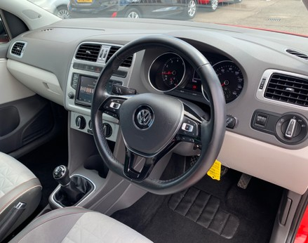 Volkswagen Polo BEATS 17