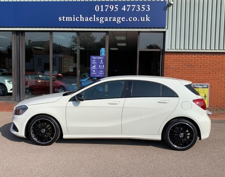 Mercedes-Benz A Class A 180 D AMG LINE EXECUTIVE 11