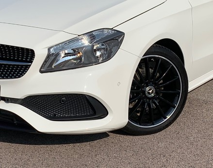 Mercedes-Benz A Class A 180 D AMG LINE EXECUTIVE 3