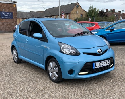 Toyota Aygo VVT-I MOVE WITH STYLE MM 4