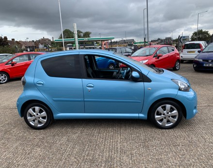 Toyota Aygo VVT-I MOVE WITH STYLE MM 10
