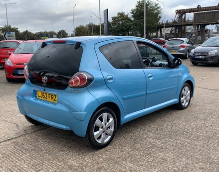 Toyota Aygo VVT-I MOVE WITH STYLE MM 8