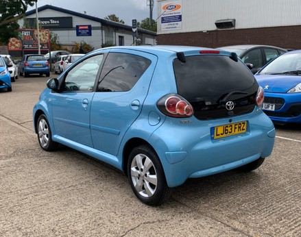 Toyota Aygo VVT-I MOVE WITH STYLE MM 9