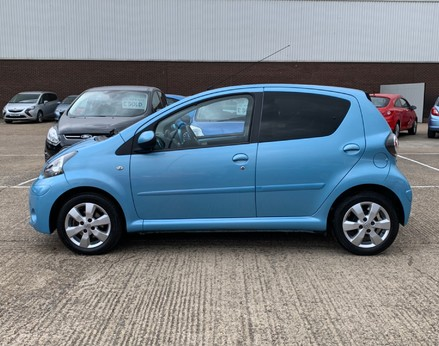 Toyota Aygo VVT-I MOVE WITH STYLE MM 11