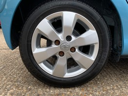 Toyota Aygo VVT-I MOVE WITH STYLE MM 15